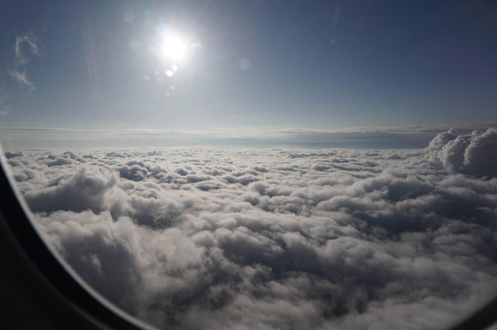 機内窓からの風景